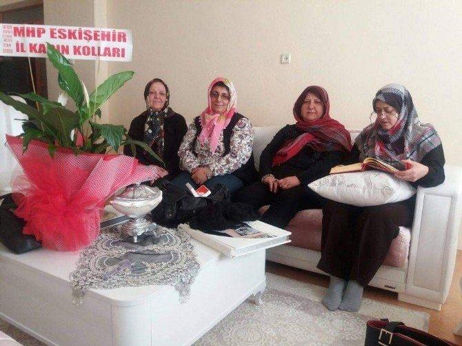 MHP Kadın Kollarından 'Hoş Geldin Bebek' Ziyareti