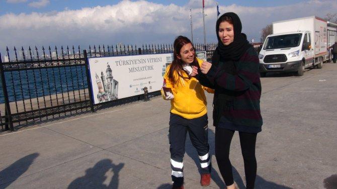 Selfie çekmeye çalışan kadın turist denize düştü