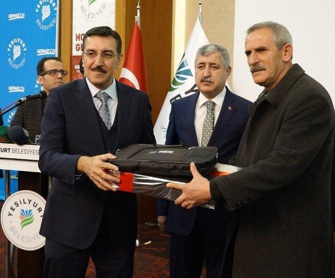 Bakan Tüfenkci, Malatya'da Muhtarlara Bilgisayar Dağıtım Törenine Katıldı