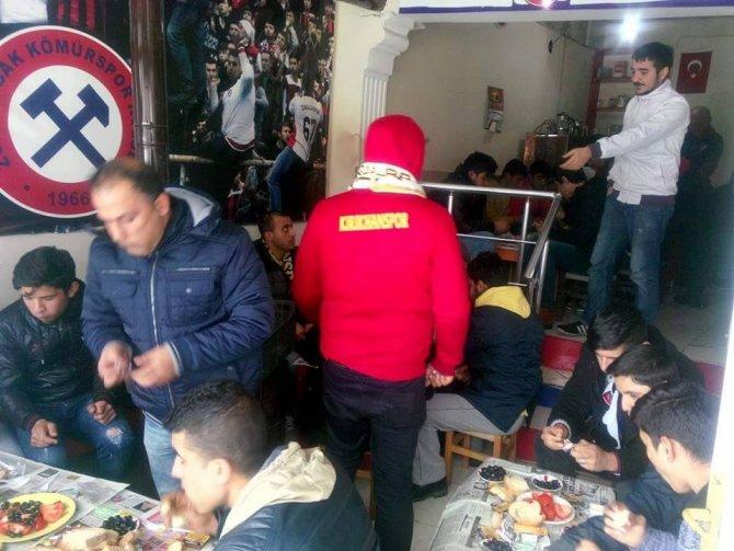 Zonguldak Kömürsporlu taraftarlardan centilmenlik örneği