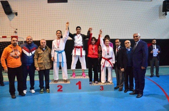 Okullarası Yıldız Ve Gençler Karate Müsabakaları