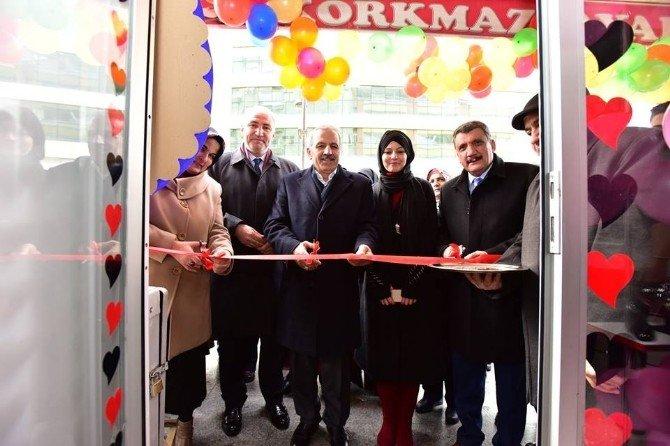 AK Partililer Açılışa Katıldı