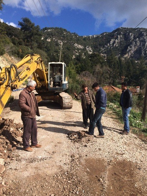 Asat'tan Mahallelerde İçme Suyu Çalışması