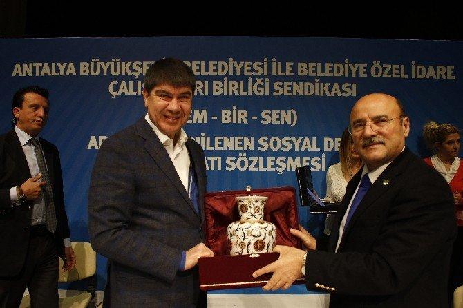 Büyükşehir'de Sosyal Denge Sözleşmesi İmzalandı