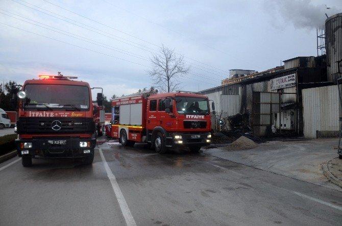 Tekstil Fabrikasında Çıkan Yangın Korkuttu