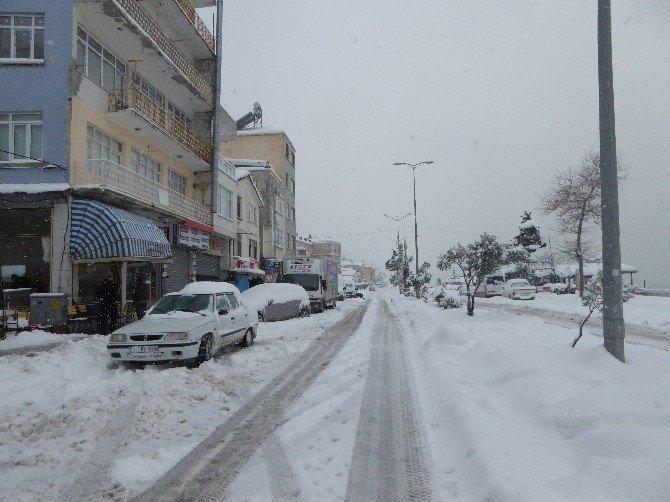 Çatalzeytin'de Köy Yolları Kapandı