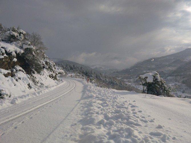 Kar Yağışı Cideyi Felç Etti