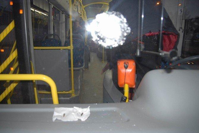 Sur'dan Gelen Kurşunlar, Toplu Taşıma Araçlarına İsabet Etti
