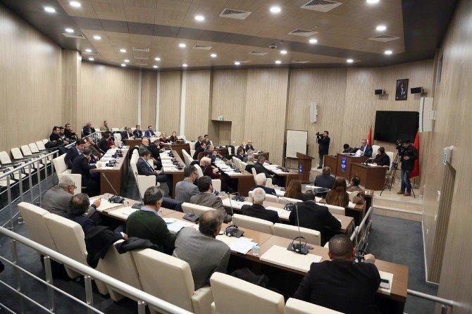 Eyüp'te CHP'li Meclis Üyelerinden Üniversiteye Hazırlanan Öğrencilere Bir Darbe Daha