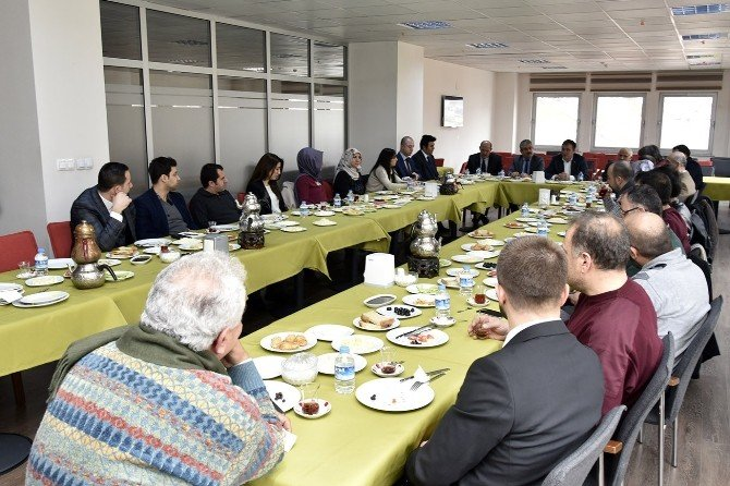 Başkan Çimen, Mimarlar İle Bir Araya Geldi