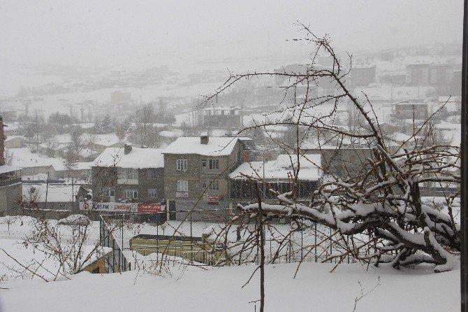 Hakkari'de 112 Köy İle 373 Mezra Yolu Ulaşıma Kapandı