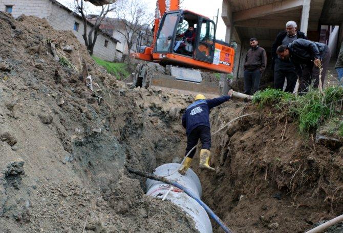 Açıkdere Mahallesi'ne yağmur suyu hattı döşendi
