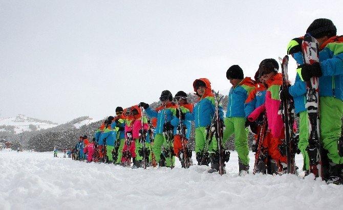 Yakutiye İle 500 Çocuk Daha Kayak Öğrendi