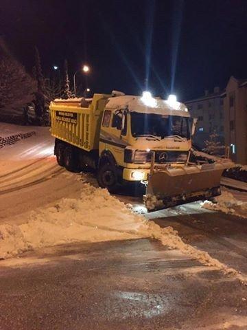 Kaynaşlı Belediyesi'nin Karla Mücadelesi Devam Ediyor