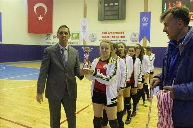 Liseli Kızların Voleybol Turnuvası
