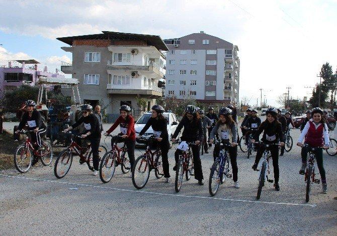 Köşklü Öğretmenler Bisikletleriyle Sağlıklı Yaşama Dikkat Çekti