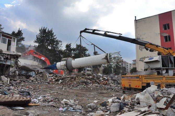 Garaj Camii Minaresi Karahüseyinli'ye Nakledildi