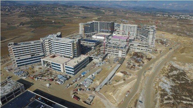 Mersin'deki Kamu Hastaneleri Yılda 7 Milyon Hastaya Bakıyor