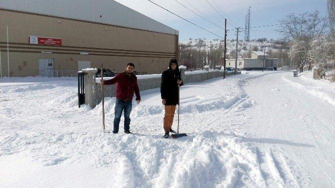 Acıgöl'de Kar Mesasi
