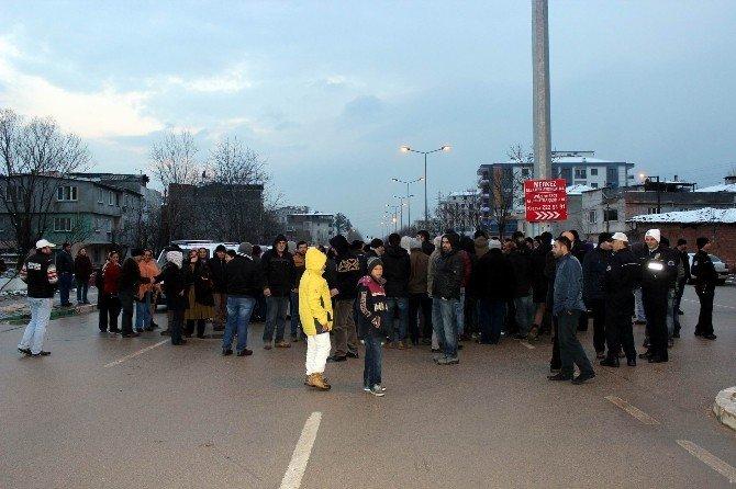 Bursa'da Vatandaşlar Saatlerce Yol Kapattı