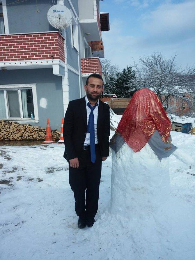 Kardan gelin yaptı, damatlık giyip fotoğraf çektirdi
