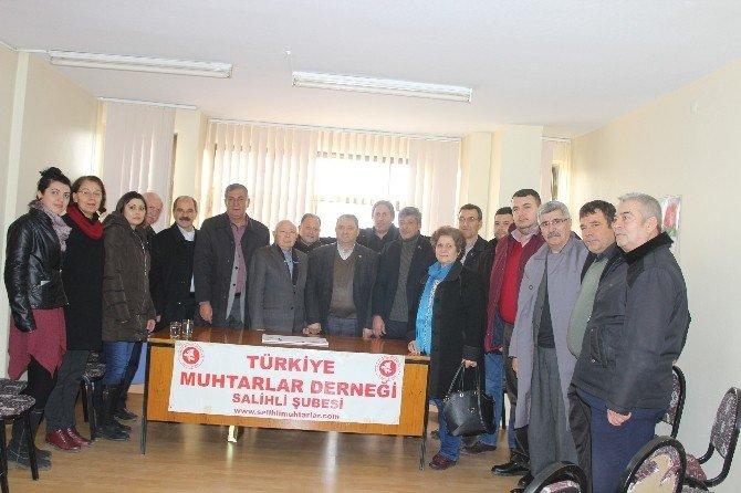 Salihli CHP'den Muhtarlar Ve Şoförlere Teşekkür Ziyareti