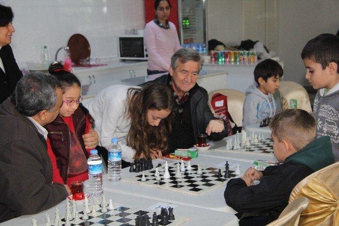 Festival, Satranç Turnuvası İle Başladı