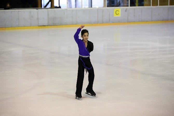 İhlas Koleji Öğrencisi Buz Pateni Şampiyonu