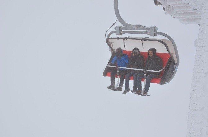 Yıldız Dağı Kayakseverleri Bekliyor