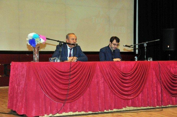 Prof. Dr. Çelik Ve Gazeteci Güler'den Konferans