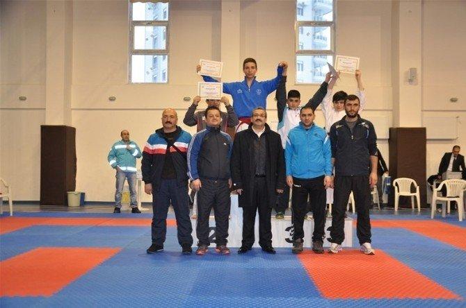 Analig Karate Grup Müsabakaları Sona Erdi