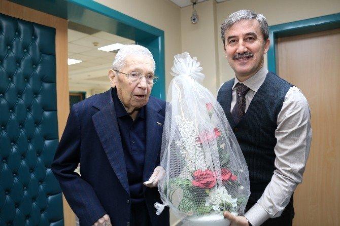 Turgutlu'ya En Özel Hediye Başkan Şirin'den