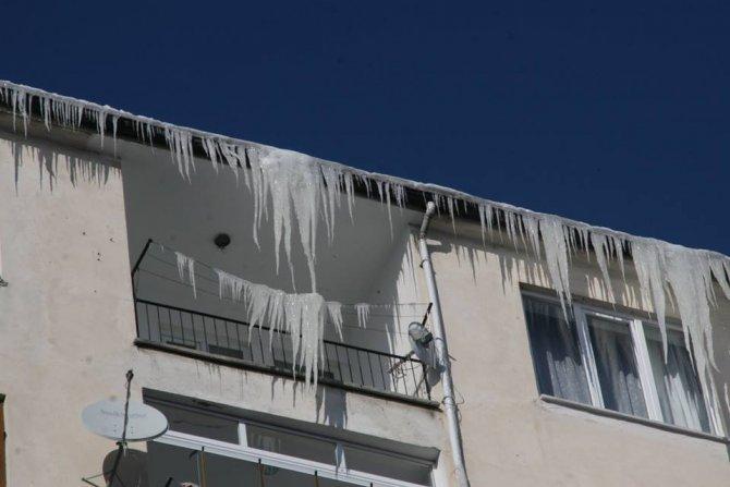 Soğuk hava araçların deposundaki mazotu dondurdu