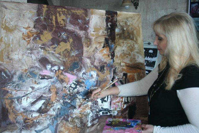 Rus ressam Larissa Belima: Sanatçılar için Türkiye bir cennet