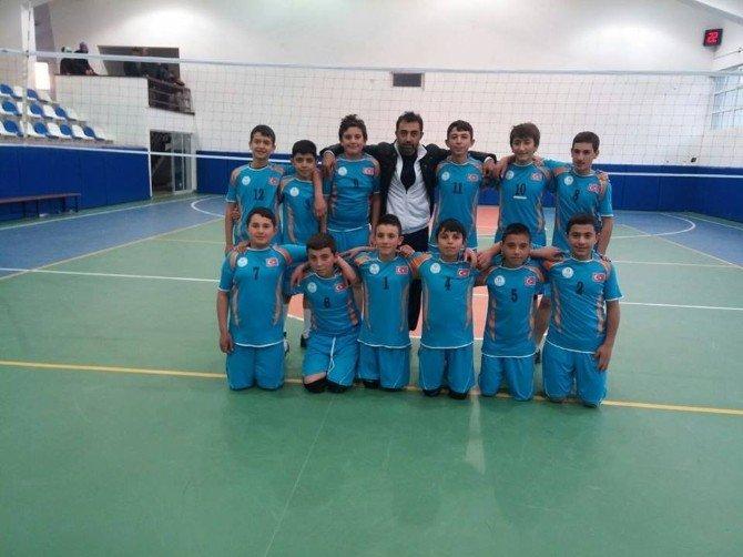 Anadolu Yıldızlar Ligi Voleybol Müsabakalarında Nevşehir Çeyrek Finale Yükseldi