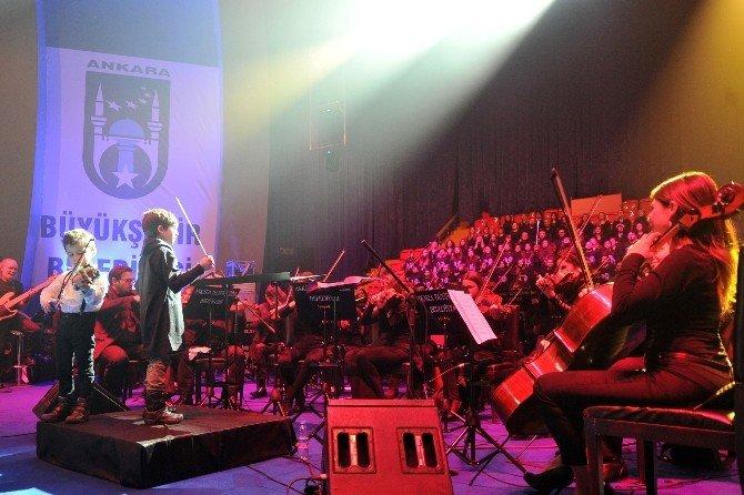 Barış Manço Ve Cem Karaca'ya Vefa Konseri
