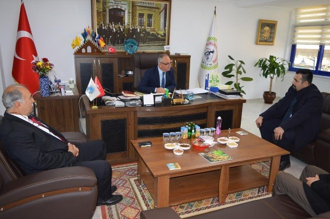 Başak Koleji, İncirliova Belediye Başkanı Kale'yi Ziyaret Etti