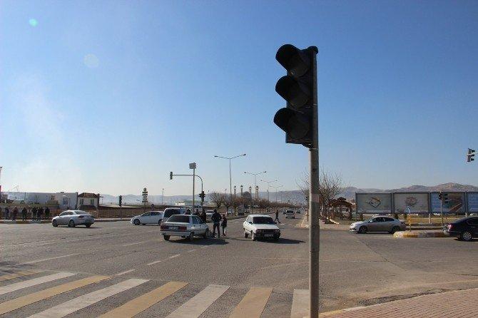 Sinyalizasyon Sisteminde Yaşanan Arıza Kazaları Getirdi