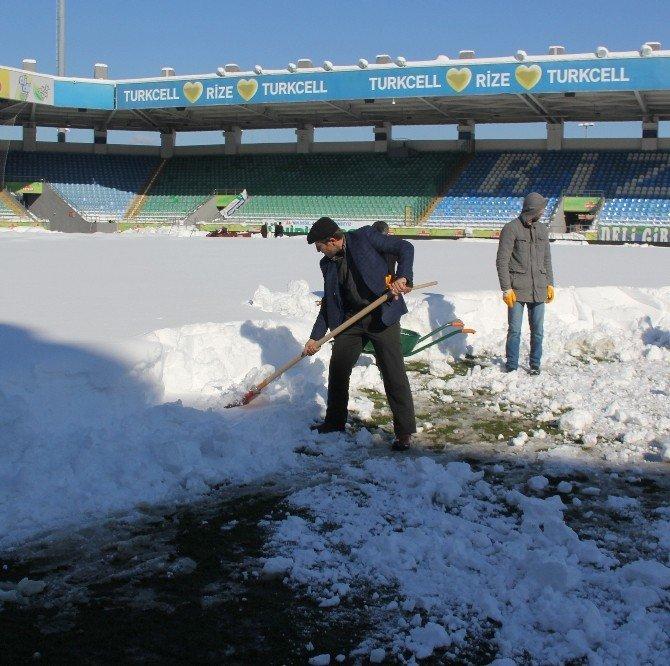Kar Nedeniyle Bir Maç Daha Tehlikede