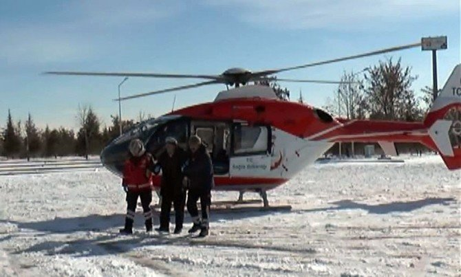 Hastaların İmdadına Ambulans Helikopter Yetişti