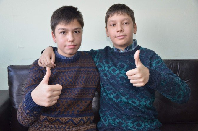 Eskişehirli İkizler TEOG'dan Full Çıkardı