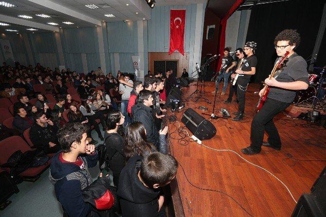 Genç Denizli'den Konser