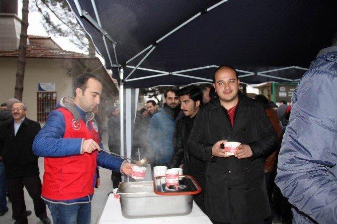 Erzincan'da Gençler Namazda Buluşuyor
