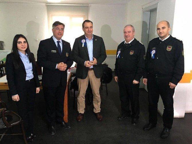 Gümrük Müdürü'nden Ayvalık Belediye Başkanı Rahmi Gençer'e Ziyaret