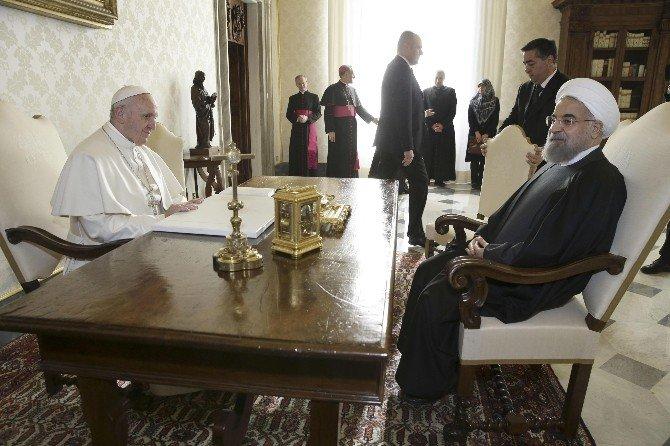 İran Cumhurbaşkanı Ruhani Papa İle Görüştü