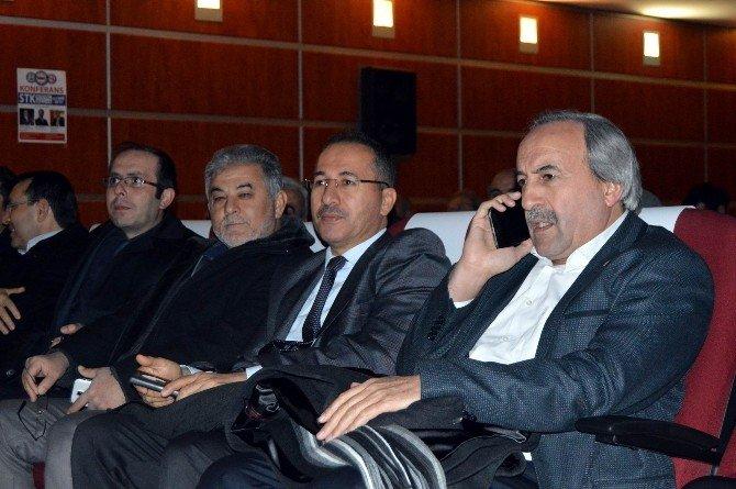 Kayseri'de Sosyal Medyanın Etkileri Ve Olumlu Kullanma Yöntemleri Anlatıldı