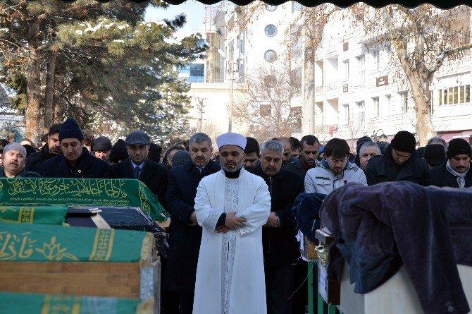 Kayseri'deki Patlamada Hayatını Kaybeden Şahıs Son Yolculuğuna Uğurlandı
