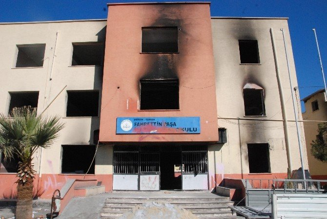 Tarsus'ta PKK Yandaşlarının Yaktığı Okula 1 Milyon TL Harcanacak