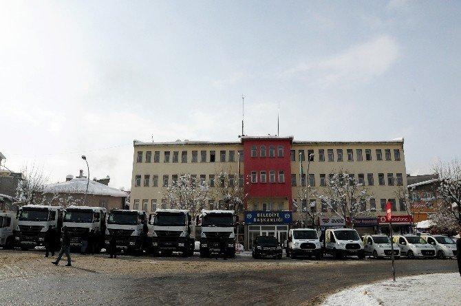 Muş Belediyesi'ne Yeni Araçlar Alındı
