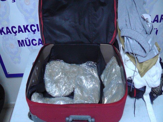 Muş'ta 4 kilo 436 gram toz esrar ele geçirildi